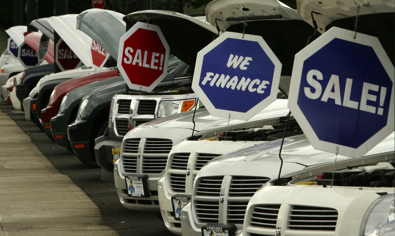 Выгодно ли в кризис покупать автомобиль?